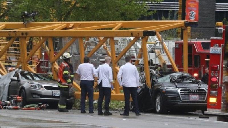 Строителен кран падна и уби четирима в Сиатъл