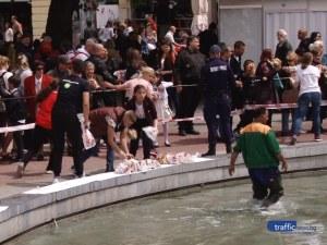 3, 2, 1 и за 3 минути разграбиха козунака в центъра на Пловдив