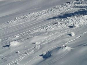 Лавина уби четирима души в швейцарските Алпи