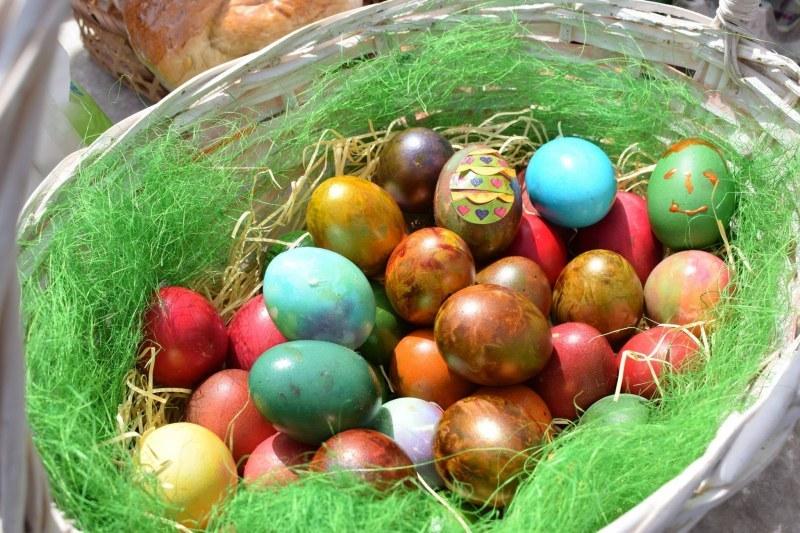 Как родните звезди отпразнуваха Великден
