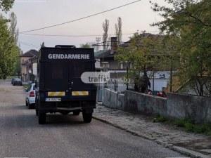 Екшън край Пловдив! Търговец наби ромка, мъжът й търси побойника