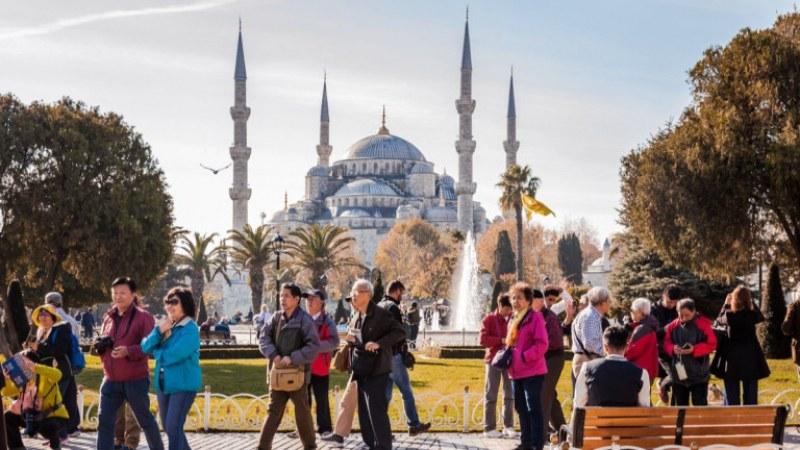 Най-много българи на туризъм в Турция, 482 000 са почивали от януари
