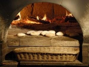 Изграждат глинена пещ за хляб на Младежкия хълм