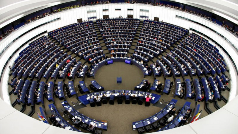 Изискване за възраст на евродепутатите има, а за интелигентност – не!