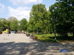 Чий е гробът на алеята към езерото с лилиите в Борисовата градина?
