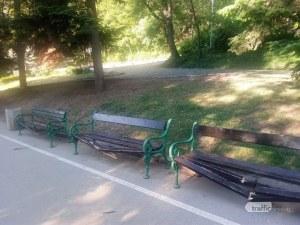 Вандалщина! Изпотрошиха пейки на Бунарджика