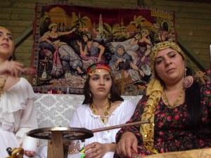 Румънски вещици въртят магии по Facebook, правят заклинания за евровота