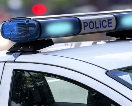 Бус излетя от пътя край Арчар заради бясна скорост в дъжда, 7 ранени