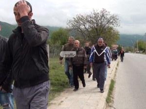Гняв и протест в карловското Кърнаре след погром от роми ВИДЕО