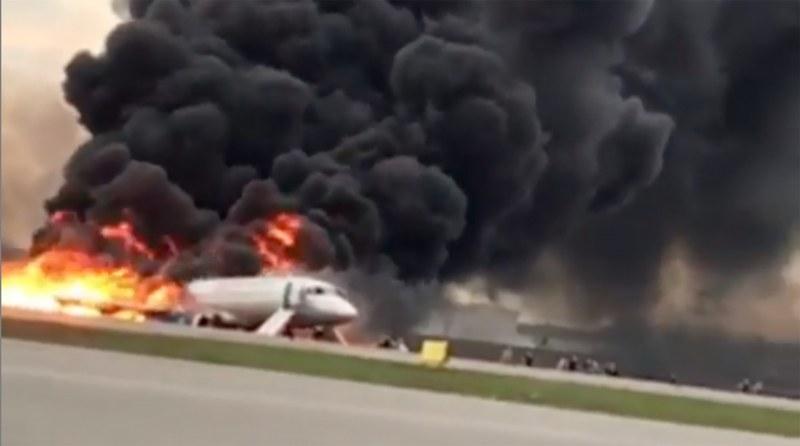 Русия в траур, жертвите на самолета факла скочиха до 41!