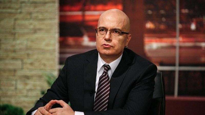 От bTV уговарят Слави да не спира шоуто, във Фейсбук чакат партията му