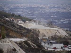 Измерват въздуха в Белащица заради сигнали от живеещите в района