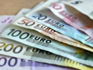 Минималната заплата да стигне 450 евро искат от КНСБ