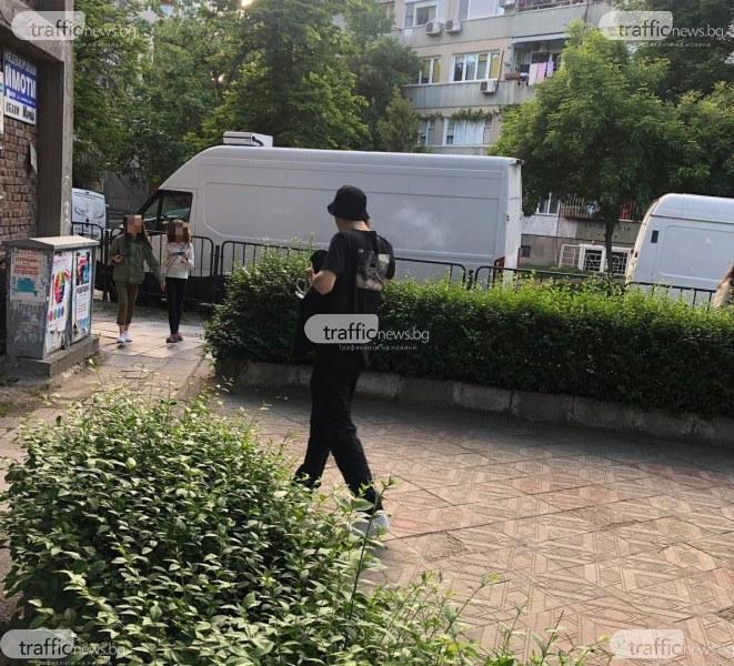 Дилър подгони деца в училищен двор в Пловдив, полиция е на мястото!