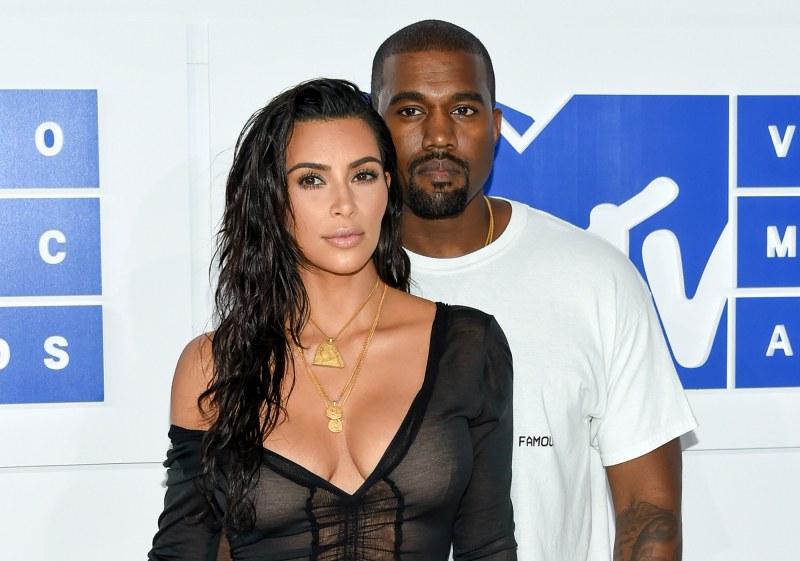 Ким Кардашиян и Кание Уест станаха родители на четвърто дете