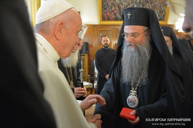 Кого посрещна пловдивският митрополит -