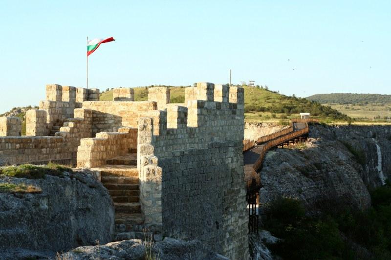 Крепостта Овеч: Място с вековна история, което трябва да посетите
