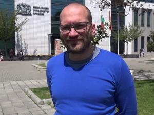 Младите лекари на Пловдив: Д-р Димов изследва нов метод за ранно диагностициране в пулмологията