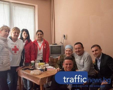 Обещано: Димитър Рачков пожела отново да посети баба Недка в Пловдив