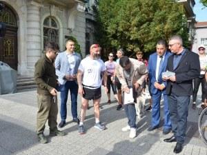 Десетки се включиха в бягането на ултрамаратонеца Краси Георгиев в Пловдив СНИМКИ