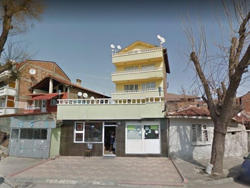Оксиморон: Къща в центъра на Пловдив е незаконна, но съдът каза