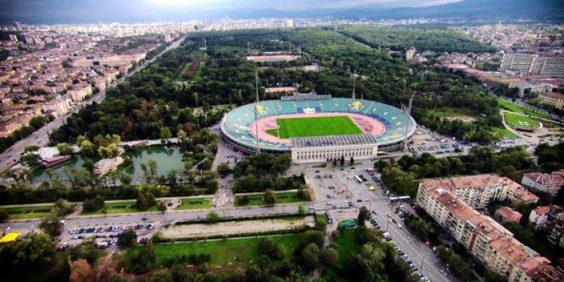 Искаме Световно по футбол, а имаме ли милиарди? Само стадионите – €330 млн.