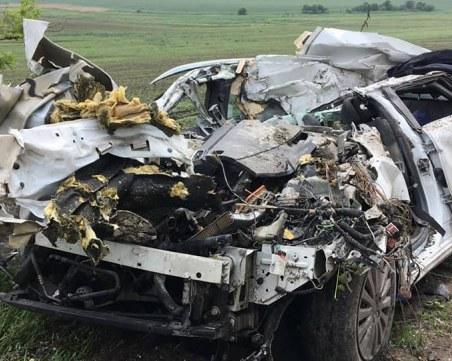 Тежко ПТП край Бяла, загина 51-годишен италианец, забил се в ТИР
