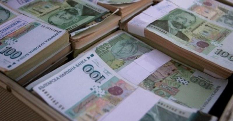Всяка седмица по двама милионери – 924 българи държат на влог 2,34 млрд. лв.
