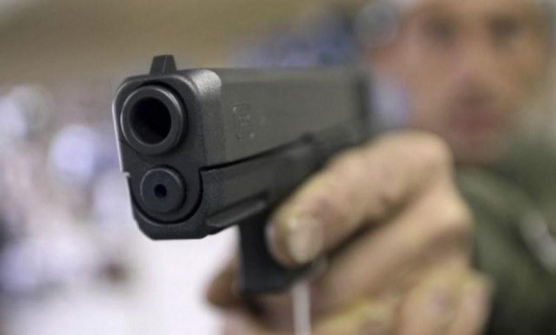 Маскиран стрелял 3 пъти с газов пистолет в кабинета на психиатър