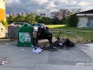 Масово палят контейнери за разделно събиране в Пловдив