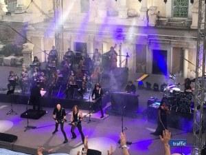 Над 3000 се подложиха на симфоничния терор на Accept