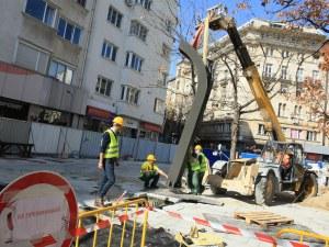 Премахват оградите на столичния площад
