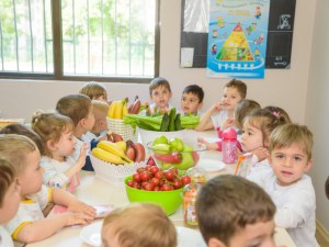 Не яж боклуци, а зеленчуци! Малчугани се учиха да готвят здравословно