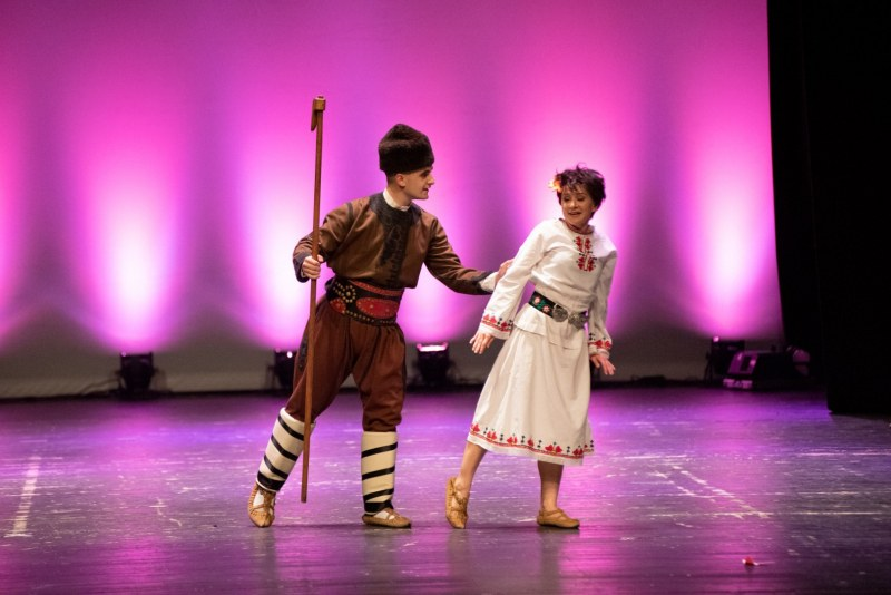 Красотата на танца прегърна Пловдив ФОТОГАЛЕРИЯ