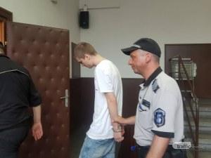 Реки от сълзи в съда! Виктор, хванат с дрога в Душото, излиза на свобода срещу 500 лева