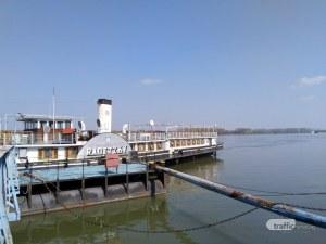 Ще спаси ли културното министерство кораба - светиня