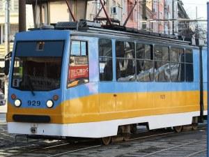 Трамвай се запали на