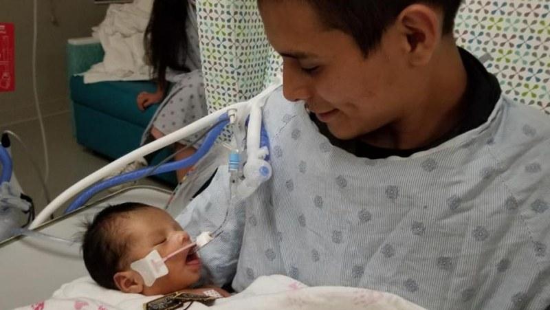 Чудо: 9-месечното бебе, което беше изрязано от убита родилка в Чикаго - в стабилно състояние