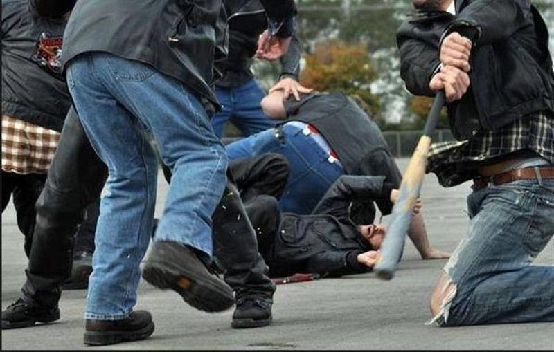 Масов бой в Карлово! Мъже и жени от два враждуващи рода се хванаха за гушите