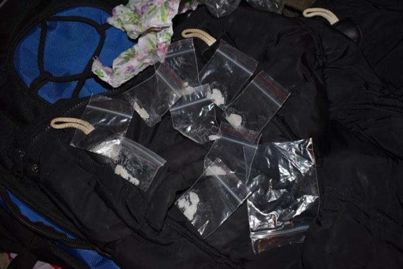 Спецакция в Столипиново! Арестуваха известен дилър, пласирал дрога чрез 11-годишно дете