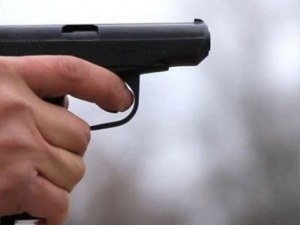 52-годишен нахлу с пистолет в болница, търсел позната