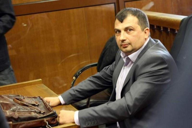 Запорираха сметки и имоти на кмета на Септември заради иск от 9 млн. лева.