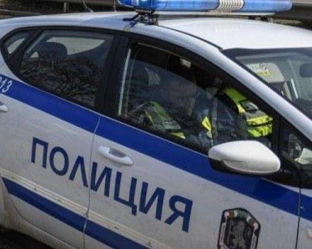 Пияна жена от Велико Търновско счупи огледалото на патрулка