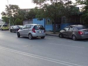19-годишна сервитьорка заспа зад волана, натресе се в две коли