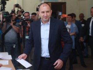 Президентът Радев: Гласувайте, нека не оставяме друг да решава бъдещето ни!
