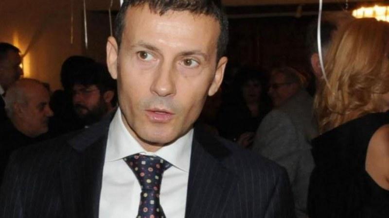 Лекари попариха Миню Стайков: Няма инсулт и може да ходи, мъчи го само простатата