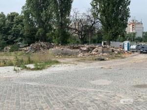 Багери влязоха в Сточна гара в Пловдив, започва строежът на огромен мол