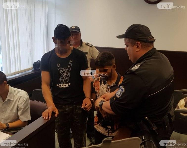 Брутално убийство: Непълнолетните роми скачали върху главата на мъжа в Асеновград
