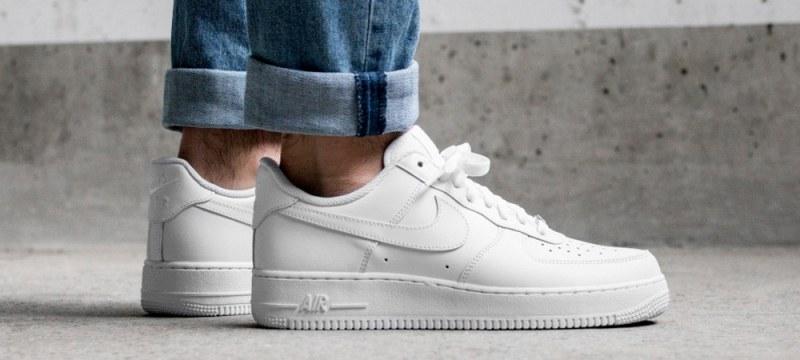 Как да почистим белите обувки?