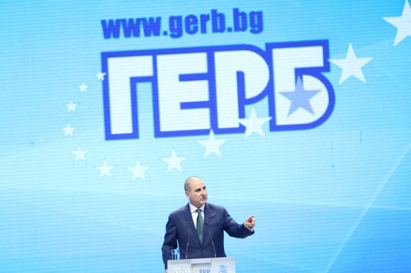 Цветан Цветанов хвърли кърпата, оттегля се от ГЕРБ